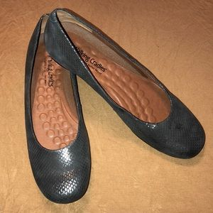 Walking Cradles  leather Slip on shoes Size 8.5